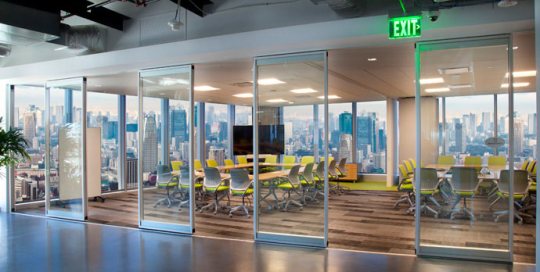 Modernfold-Acousti-Clear-Movable-Wall